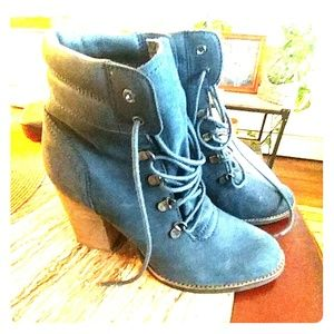 Steve Madden Blue Suede Loolaa  lace up boots boot